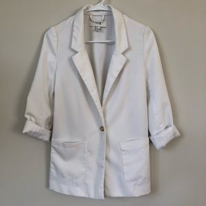 Small White H&M Blazer with Gold Button